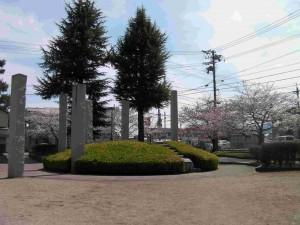 アカデミア館の公園2